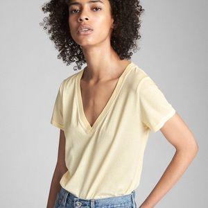 🆕 Gap Yellow V-Neck T-Shirt !